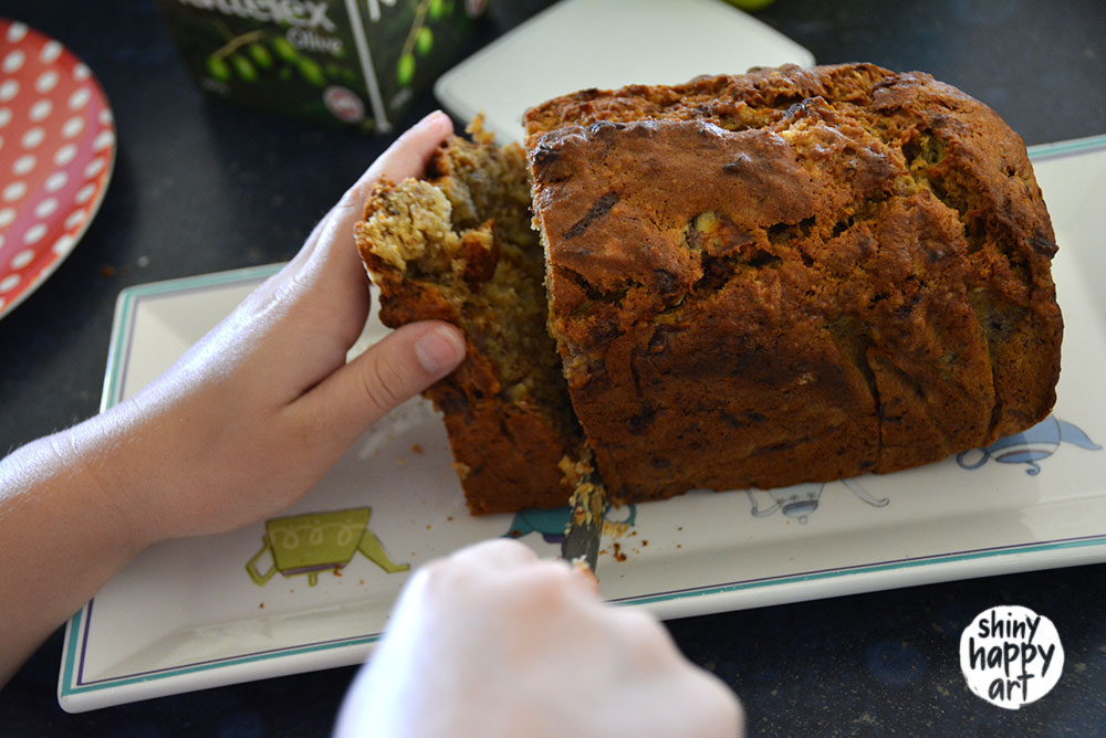 Cutting-Banana-Bread